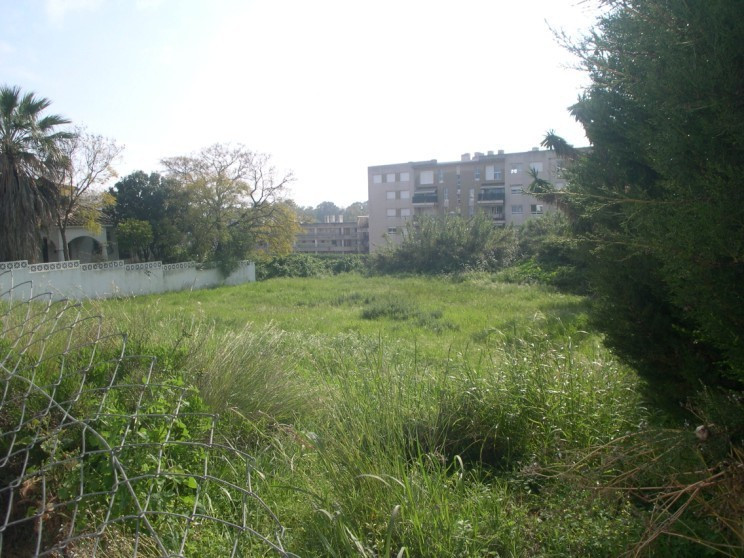 ***JUST REDUCED FROM 745.000 € TO 400.000 € ***  Plain building plot of 680 m2, with construction vo,Spain