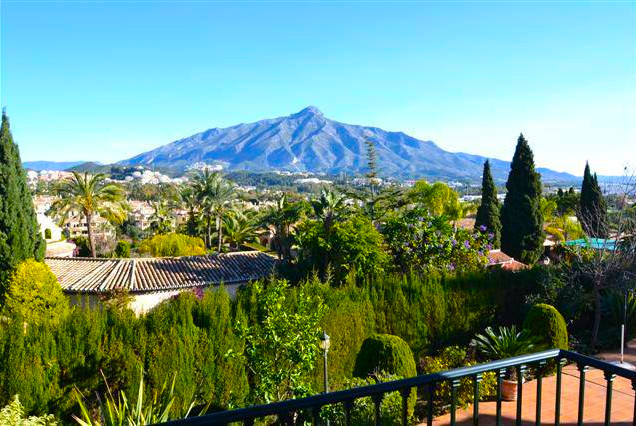 Villa In Residential Area of Las Brisas Marbella with Panoramic views to La Concha Mountain Opportun, Spain