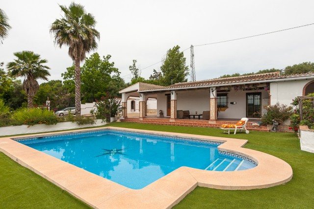 Fabulous finca that we found in the countryside in Coin. Located in a quiet and private area with st, Spain