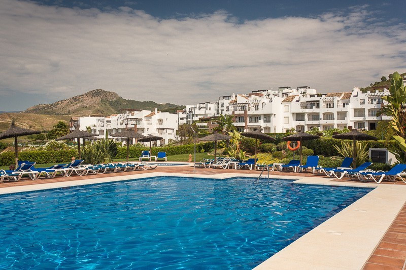 A lovely 2 bedroom ground floor apartment, good located  in Urb. Los Eucaliptos, Los Arqueros Golf V, Spain