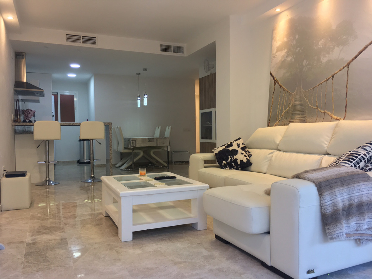 Beautiful apartment in gated complex with communal gardens and swimming pool. It has 2 bedrooms 2 ba,Spain