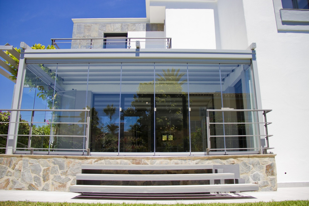 LOCATION LOCATION LOCATION!!!!!!!! This beautiful house completely renovated, with modern design and,Spain