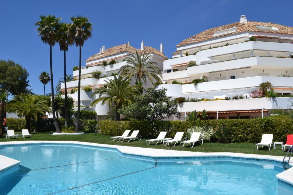 Lovely two bedroom apartment for sale in the sought after El Ancon Sierra Development with nice sea , Spain