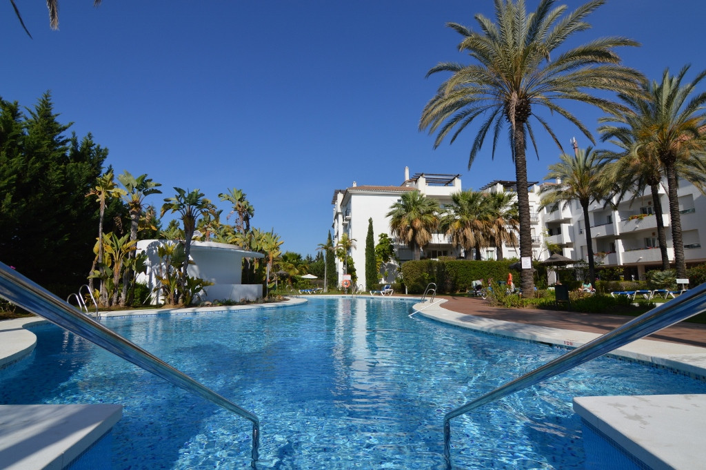 * Nueva Andalucia, BRAND NEW- NEVER LIVED IN 3 Bedroom bright corner apartment within 1.5 kms from P,Spain