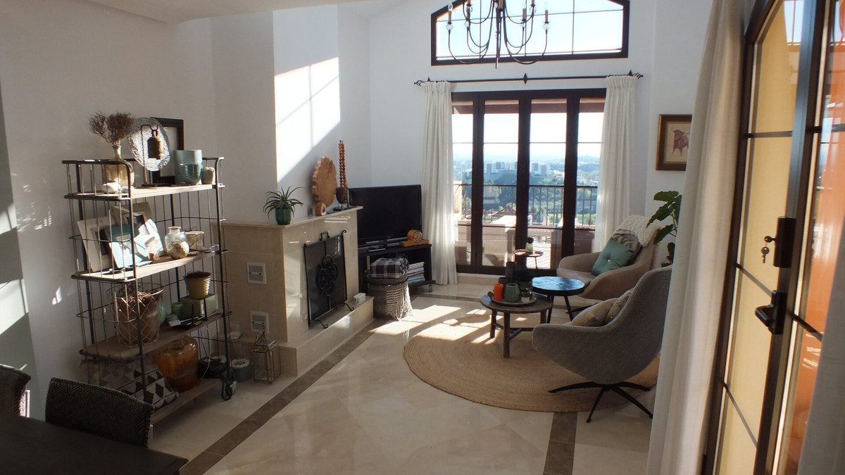 This corner 3 bedroom duplex penthouse in La Finca offers amazing golf and sea views and is only a f, Spain