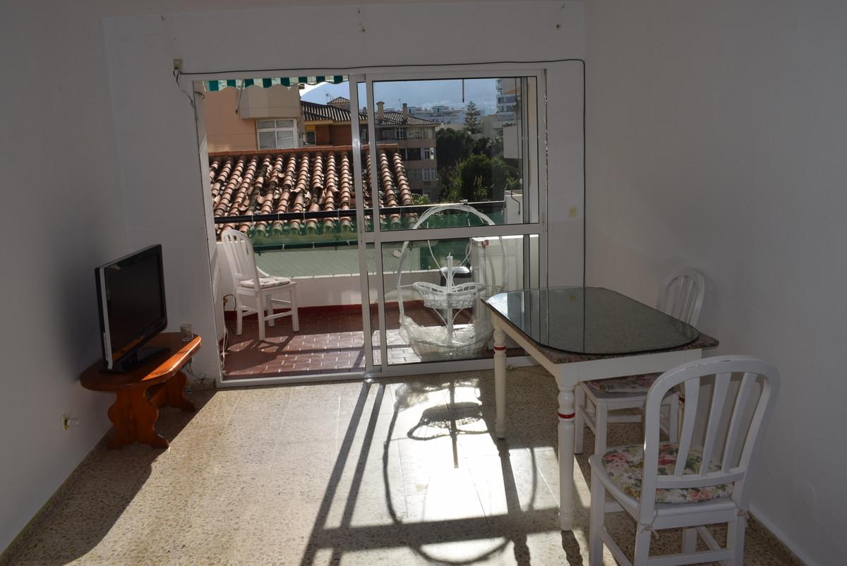 Middle Floor Apartment, Arroyo de la Miel centre Benalmadena, Costa del Sol. 3 Bedrooms, 1 Bathroom,,Spain