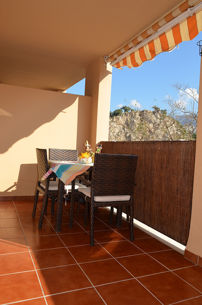 For sale a 3 bedrooms, 2 bathrooms flat 159m2 built with a 16m2 terrace in an urbanization with swim,Spain