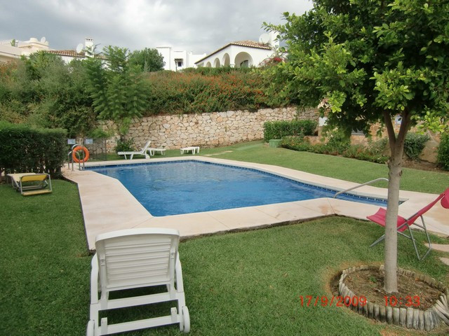 Apartment,  Golf Course,  Furnished,  Equipped Kitchen,  Parking: Community,  Pool: Communal Pool,  , Spain