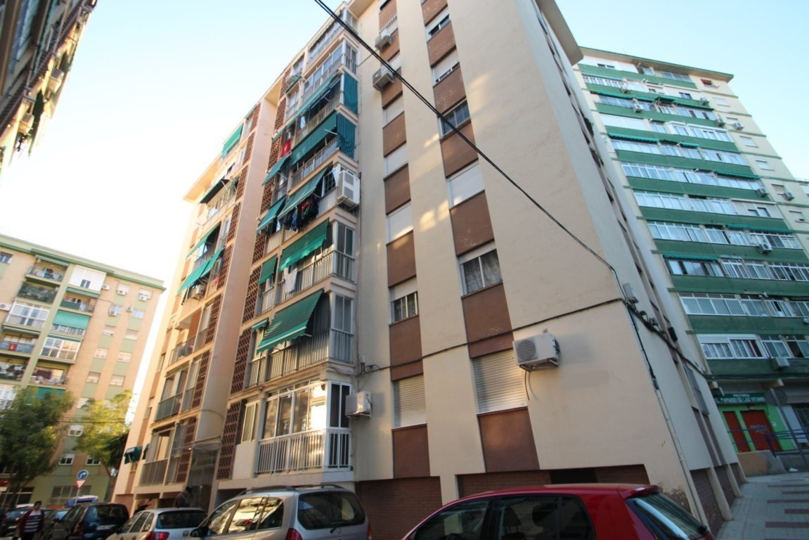Top Floor Apartment, Malaga, Costa del Sol. 3 Bedrooms, 1 Bathroom, Built 74 m², Terrace 8 m².  Sett, Spain