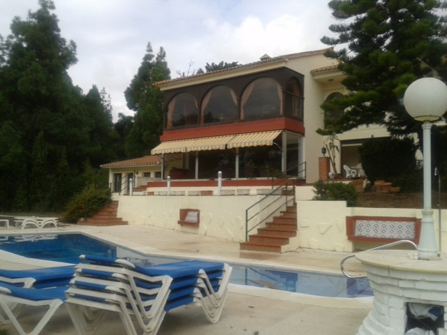 BARGAIN reduced to half price 3 Bedooms 2 Bathrooms ground floor apartment  with direct access to sw,Spain