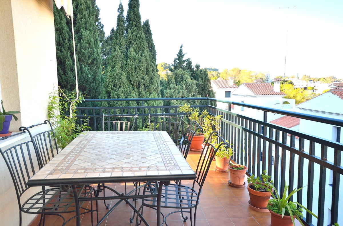 This nice apartment in Playamar is located in an elevated position and thus has a great view of Torr,Spain