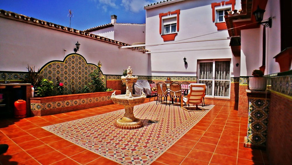 Beautiful house on two floors with quality finishings in Estepona. This property has a total of 210m,Spain