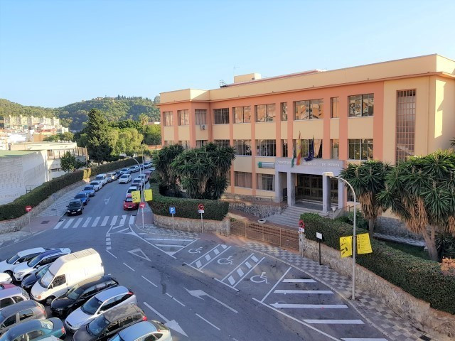 Great opportunity to purchase a four bedroom apartment in the center of Malaga with view to the Alca,Spain
