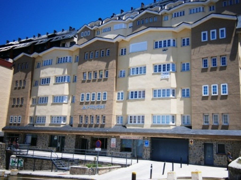 GRANADA (SIERRA NEVADA) For sale, a very cute 28m2 Studio in a recent constructed building, with ele,Spain