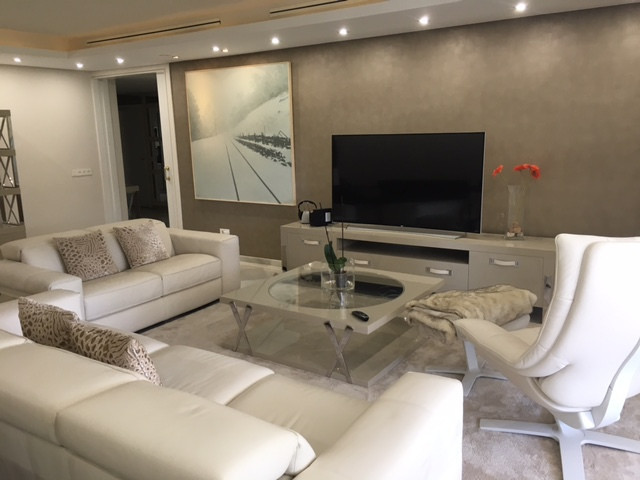 Stunning and luxurious apartment in one of the best and most exclusive complex in Marbella. The prop,Spain
