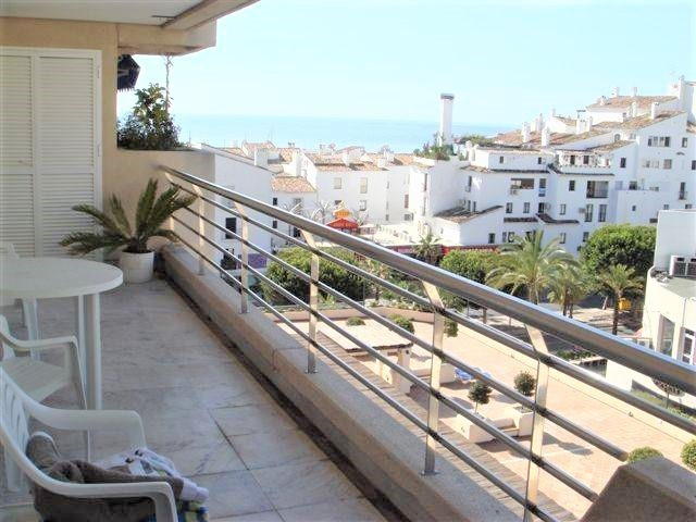 Very nice apartment in Marina Banus, in the centre of Puerto Banus. Next to shops, restaurants, bars, Spain