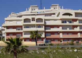 Excellent 1 bedroom apartment located in a private urbanization with communal gardens and pool in th,Spain