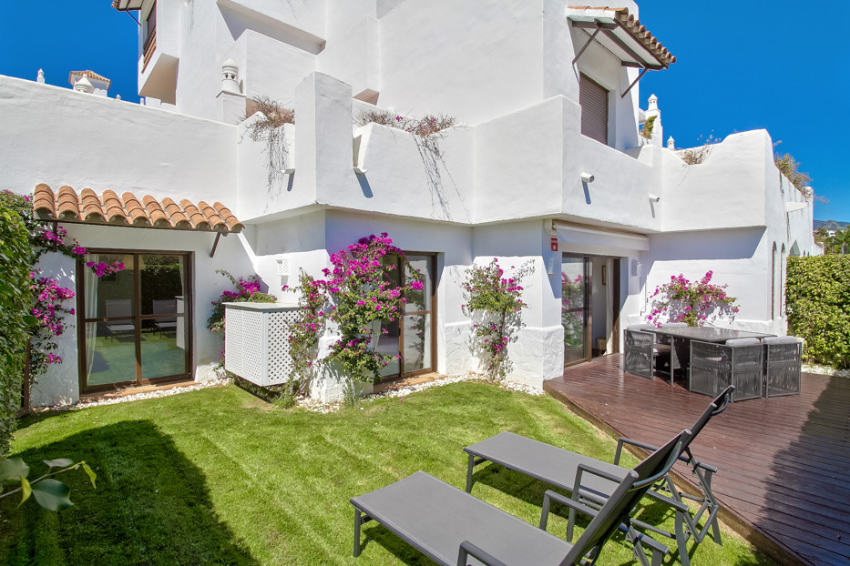 Ground Floor Apartment, Estepona, Costa del Sol. 2 Bedrooms, 2 Bathrooms, Built 70 m², Terrace 25 m², Spain