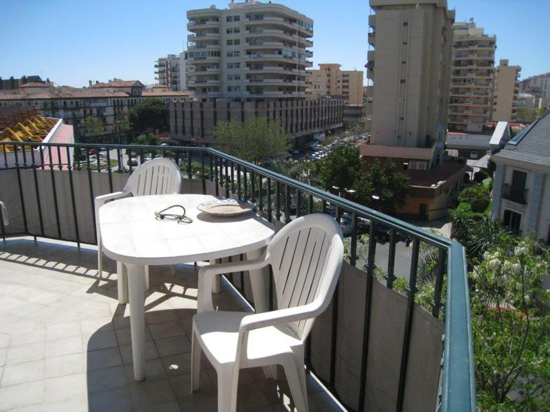 Spacious apartment in the heart of Fuengirola. 3 bedrooms and 2 bathrooms, large living room and a l,Spain