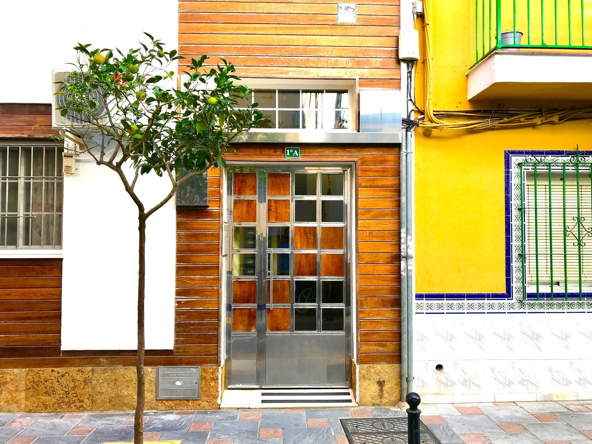 A great, raised ground floor apartment just 300 meters from the beach.  The property is close to the,Spain