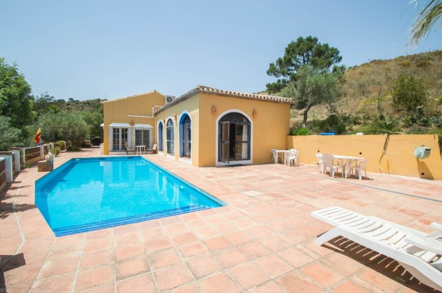 OPPORTUNITY!!! NEW REDUCTION TO 495.000€ FOR A FAST SALE!!  Marvellous Finca with guest house locate,Spain