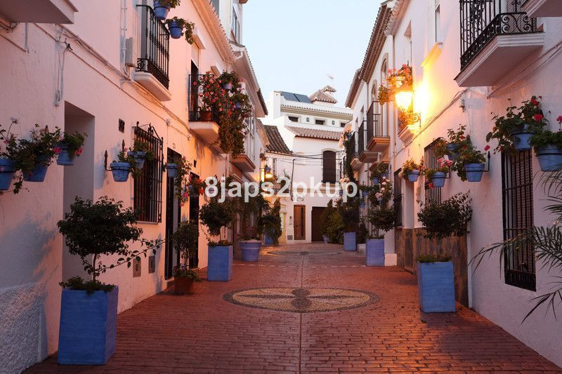 OLD TOWN CENTRE...... LOVELY APARTMENT NEXT TO THE BEACH, JUST IN THE HEART OF Estepona, Costa del S, Spain