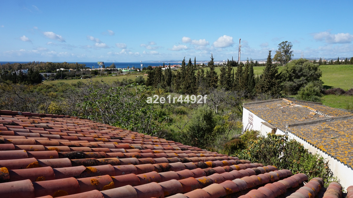 Plot with rustic house in Estepona. Surface area 9,500 sqm The house consists of 2 bedrooms, 1 bathr, Spain