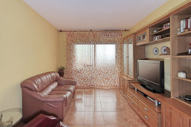 APARTMENT IN GRANADA (CONSTITUCION-CALETA)  If you are looking for a spacious, comfortable and very , Spain