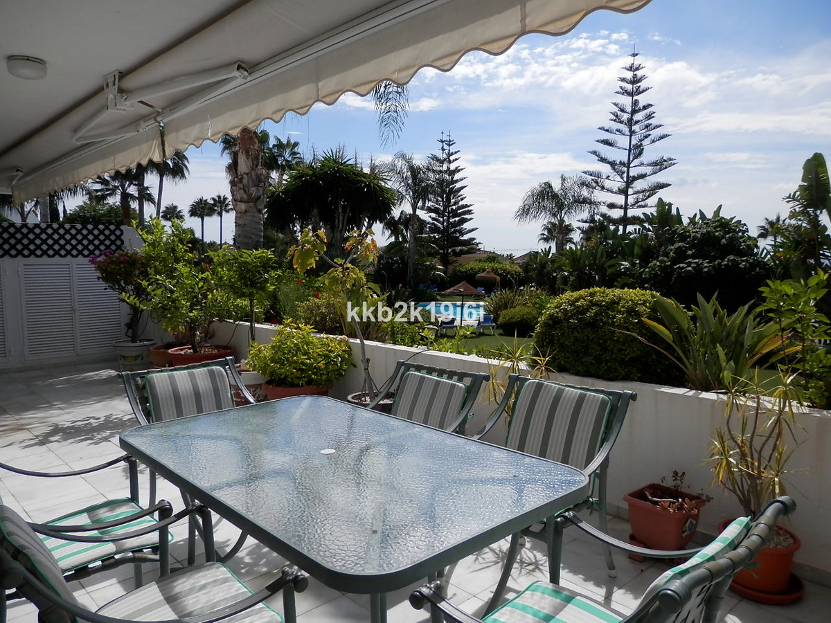 Luxurious and spacious apartment in Bahia Real Luxury Residential Complex, next to Los Monteros beac,Spain