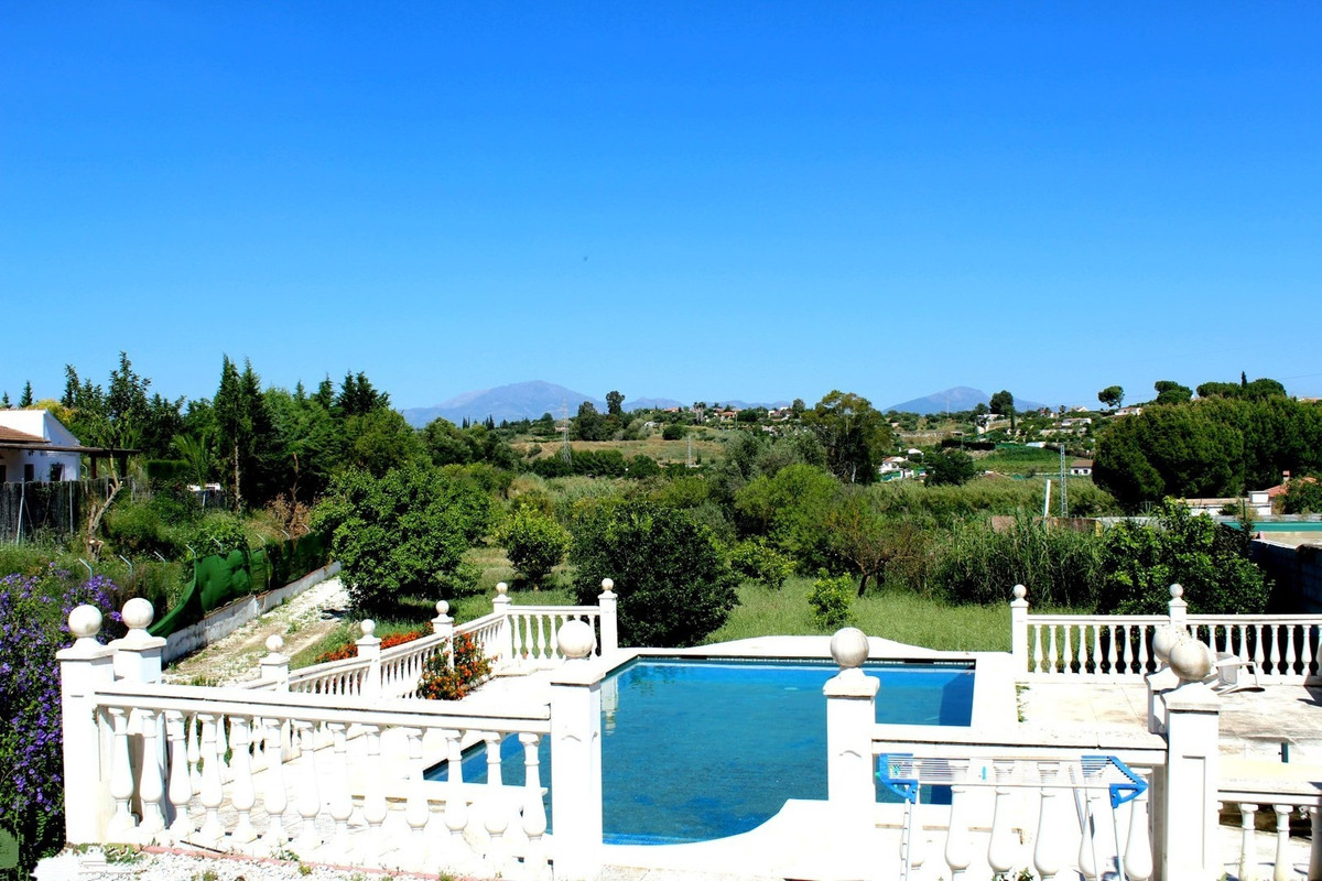 Beautiful spacious detached country villa on the border of Cartama with Alhaurin el Grande.  You ent, Spain