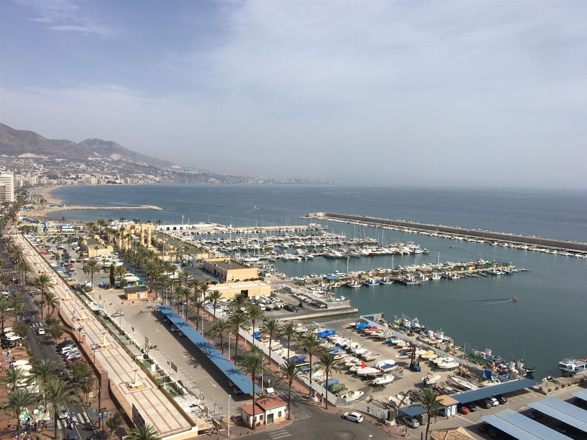 Investment!! Apartment for sale in the Port of Fuengirola, totally reformed, living-room, bathroom, ,Spain
