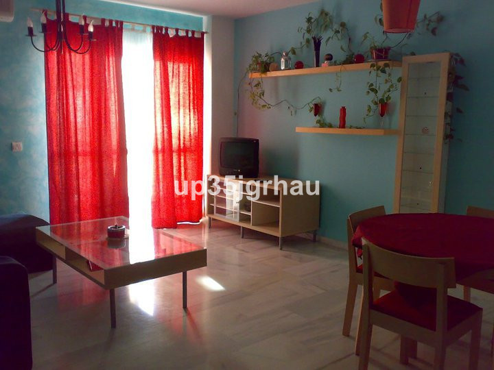 Middle Floor Apartment, Estepona, Costa del Sol. 3 Bedrooms, 2 Bathrooms, Built 95 m², Terrace 10 m², Spain