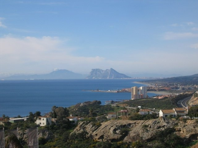 This is a fabulous development with tremendous views to Gibraltar and Africa. A brand new apartment , Spain