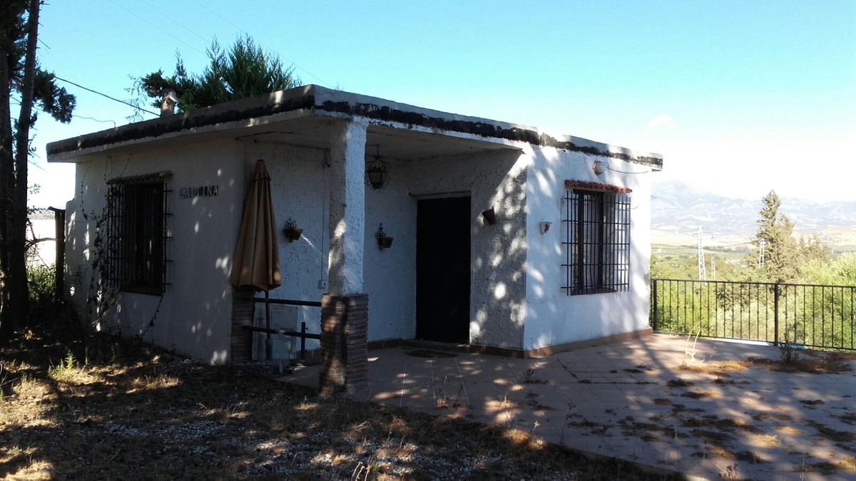 Great opportunity rustic finca in Coin.  Cabida: Two Hectares, ninety-eight areas and thirty centiar Spain