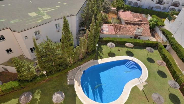 LARGE DUPLEX PENTHOUSE, 3 BEDROOMS AND 2 COMPLETE BATHROOMS. 132 METERS CONSTRUCTED, WITH AMAZING SE, Spain