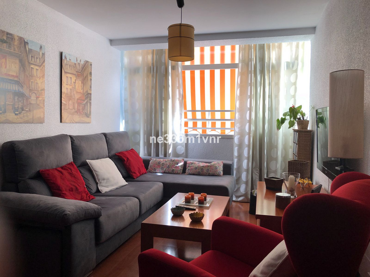 SPECTACULAR PROPERTY 5 MINUTES FROM PLAZA DE LA MERCED!  The property consists of 77 m2 distributed ,Spain