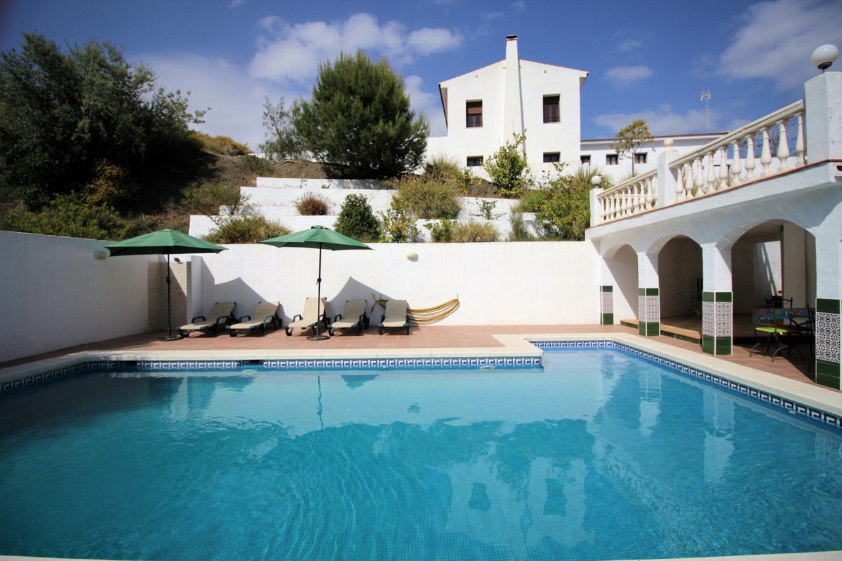 Wonderful Villa in Canillas de Aceituno with panoramic views of the mountains. This Villa is divided, Spain
