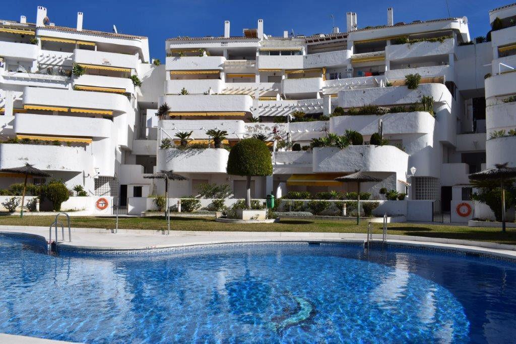 Apartment for sale on ground floor in Nueva Andalucia. This complex is in a quiet area but close to , Spain
