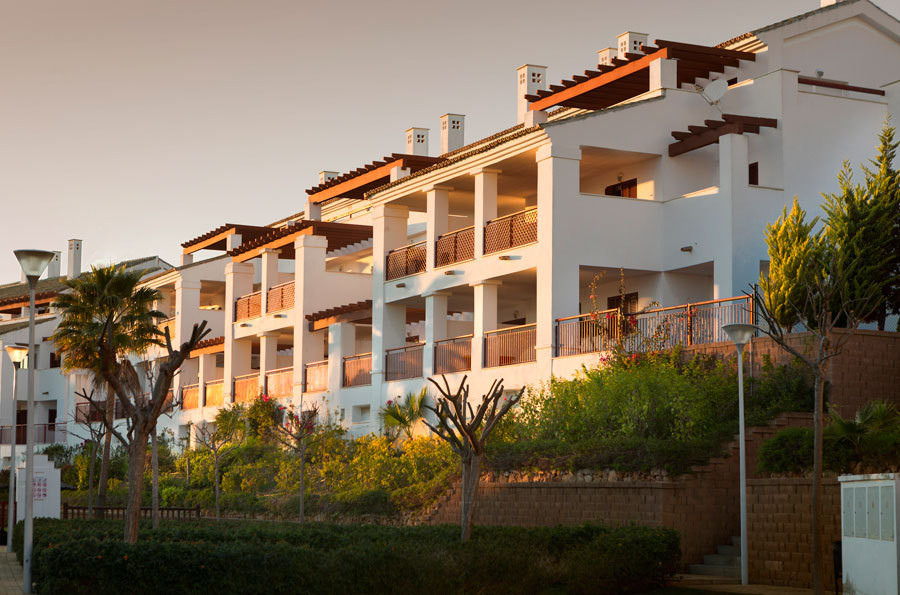 HERE TO HELP! This is an amazing development located between San Roque and La Linea. It is a 2-bedro,Spain