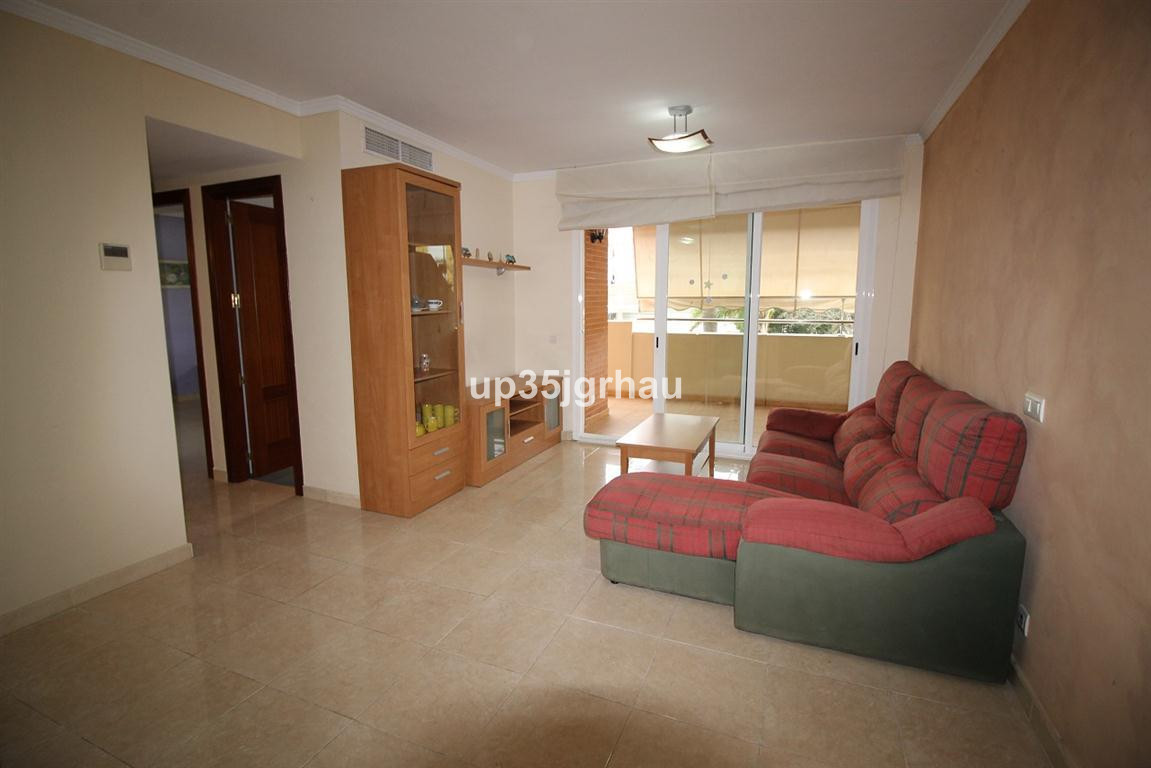 Flat located in one of the most sought after areas of Estepona. South facing. It has central air-con, Spain