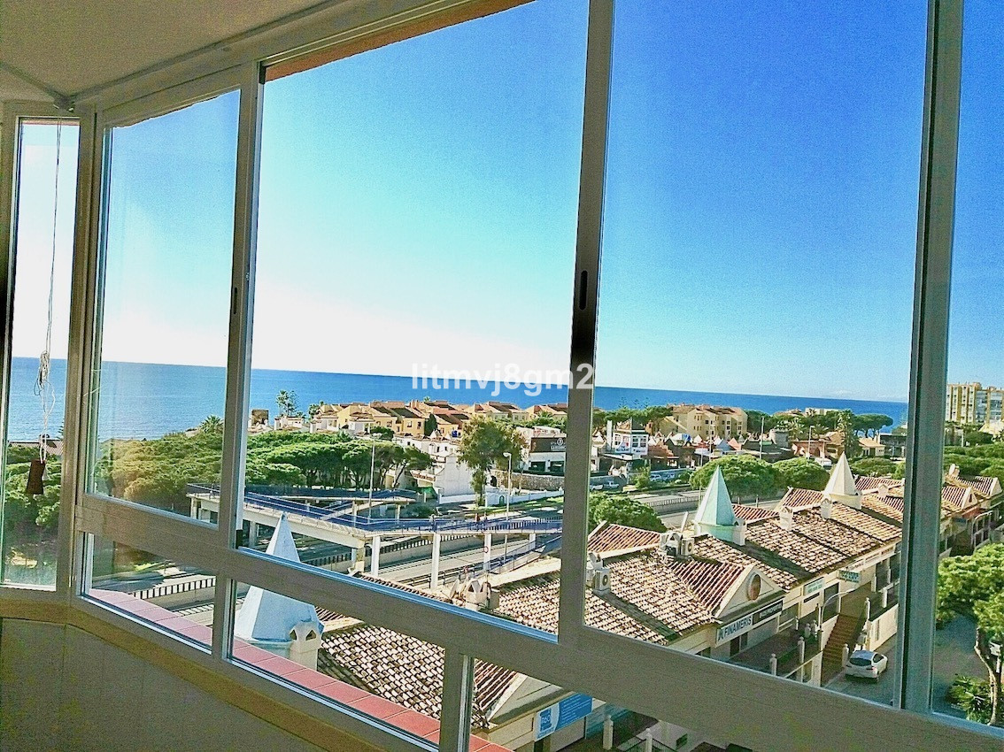 R E S E R V E D   Second line Beachfront apartment in urbanization Viola, Calypso 4 located on the 5, Spain
