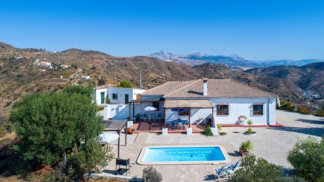 Recent reduction from 275.000€ to 259.000€!!  Beautiful, Well Presented Finca. Well Constructed with, Spain