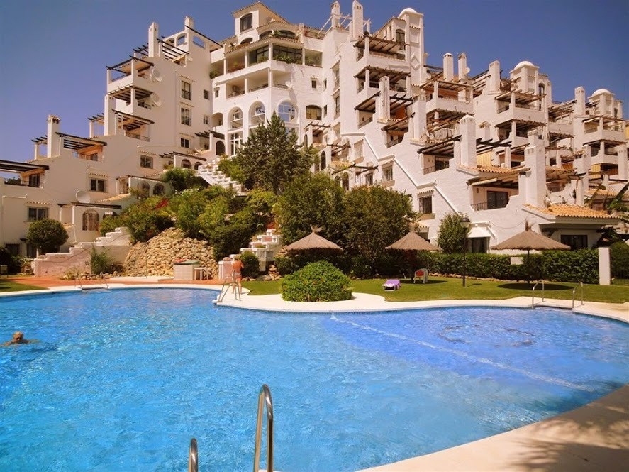 Delightful apartment consisting of 2 bedrooms and 2 bathrooms, with American concept kitchen, it has,Spain