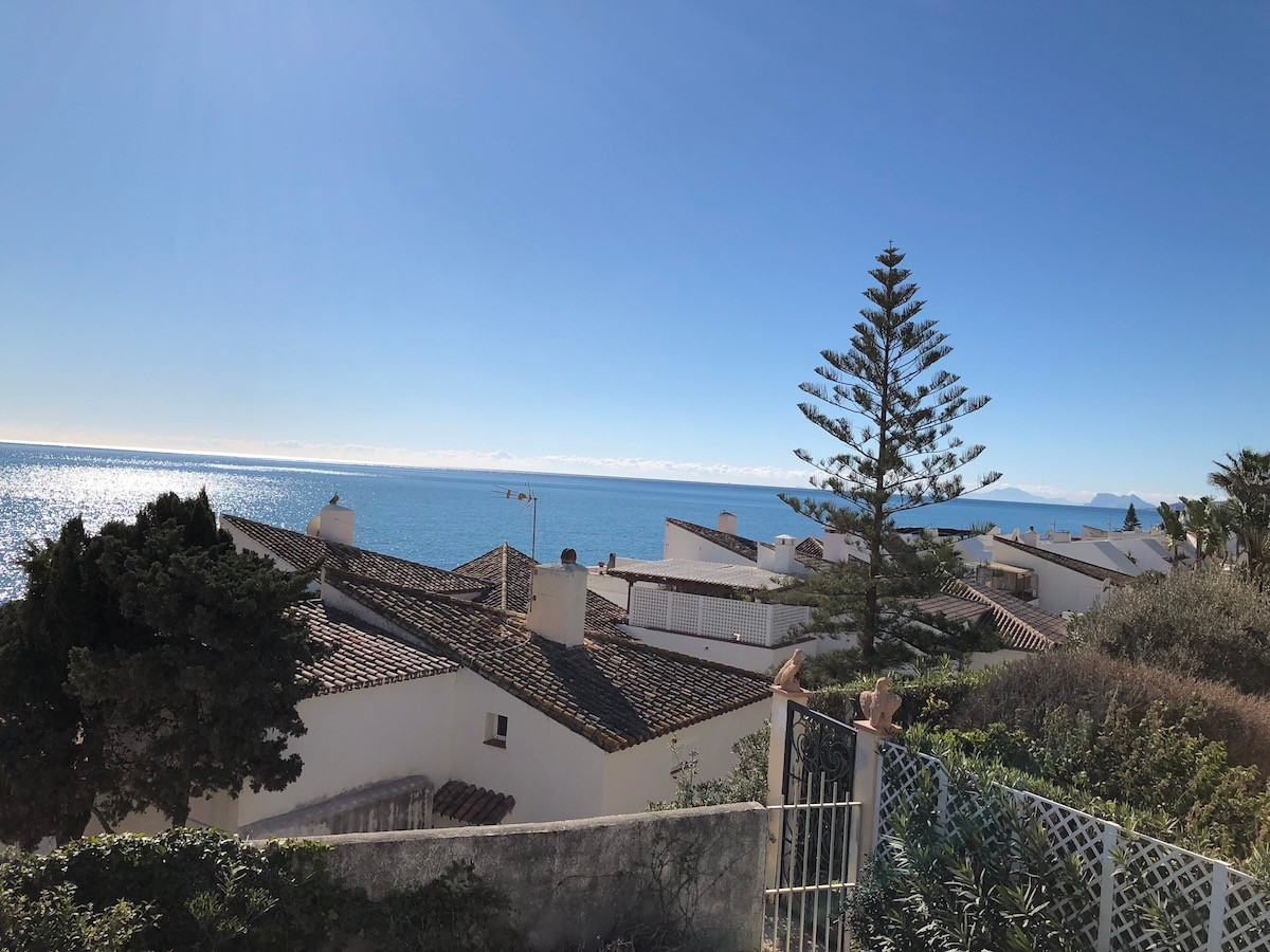 Semi-Detached House, Estepona, Costa del Sol. 3 Bedrooms, 3 Bathrooms, Built 168 m², Terrace 70 m², ,Spain
