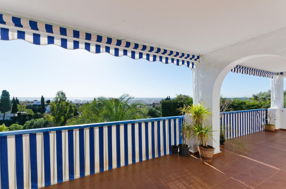 Cosy 2 bedroom apartment in the quiet area of Campo Mijas with STUNNING sea views and  to the Sierra,Spain