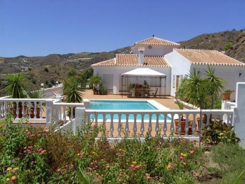 An exceptional Villa: 300 m² built, 15,000 m² plot. Luxurious, spacious accommodation to the highest, Spain