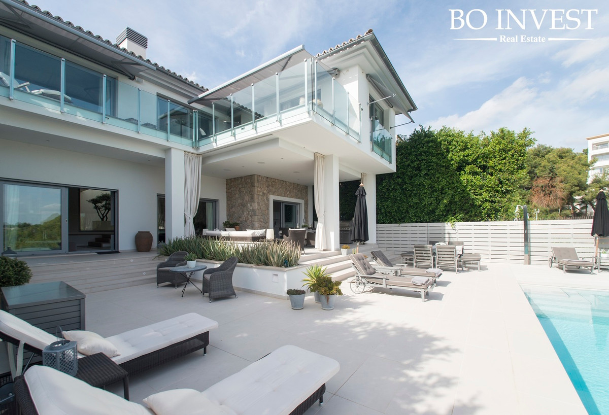 Wonderful villa in Portals Nous-Mallorca!  We are pleased to present this new luxury villa of 703 m2,Spain