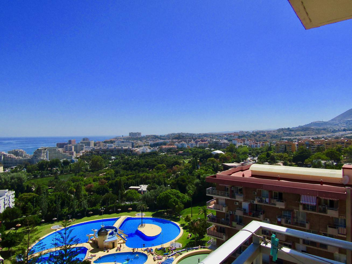 Top Floor Apartment, Benalmadena Costa, Costa del Sol. 1 Bedroom, 1 Bathroom, Built 56 m², Terrace 2, Spain