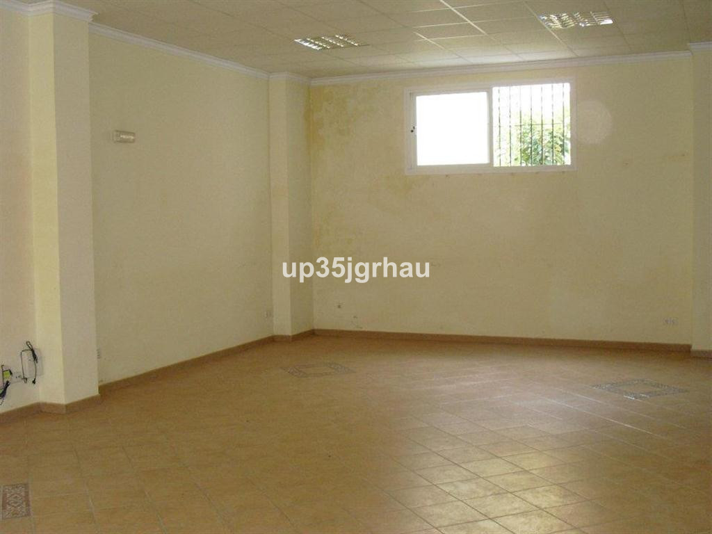 Office, -- Select --, Costa del Sol. Built 110 m².  Setting : Town, Village, Close To Shops. Orienta, Spain