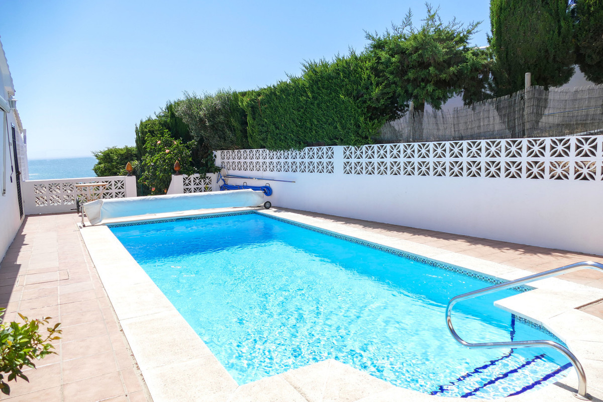 Stunning south east facing villa situated just a ten minute walk to the town of La Cala De Mijas in ,Spain